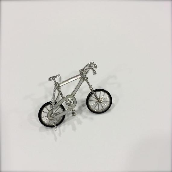 【SALE】Bicycleホワイトゴールドブローチ