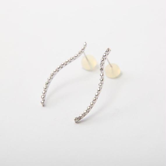 【SALE】ホワイトゴールドのダイヤモンドピアス