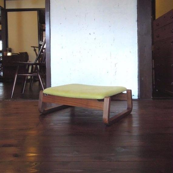 【展示品】星亀椅子工房 あぐらいす「小」
