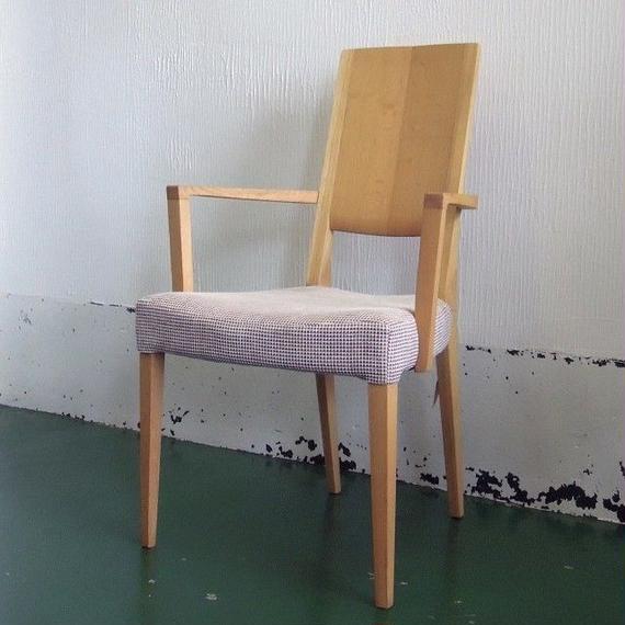 【展示品】カリモク家具 肘付食堂椅子 CU45モデル