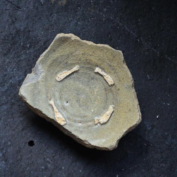 異国の陶片