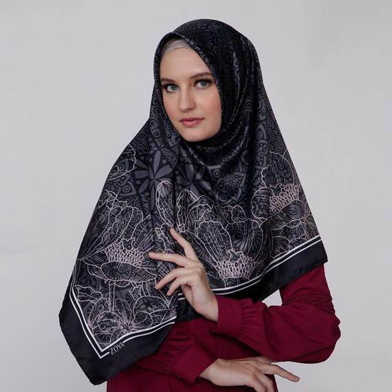 Zoya Saveria Scarf