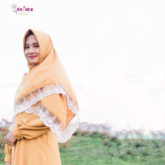 Yumna Khimar