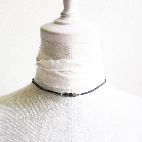 STRINGS CHOKER <Antique Beads>