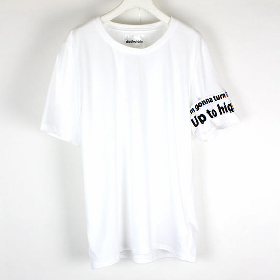 BLUE T-SHIRTS / 11 WHITE