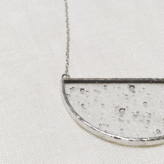 Semi circle Necklace -  気泡 Clear