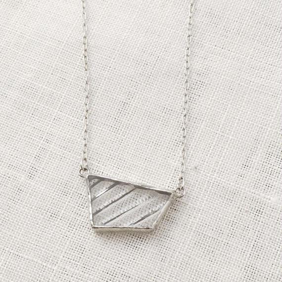 KAKERA  Necklace  - stripe