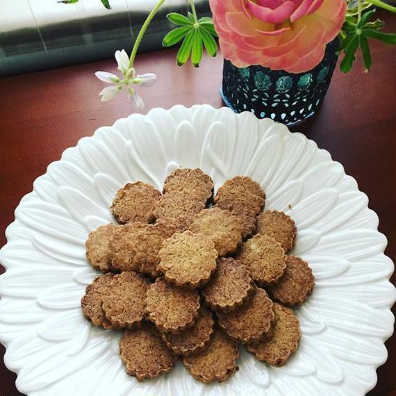 ひよこ豆粉のフラワークッキーS