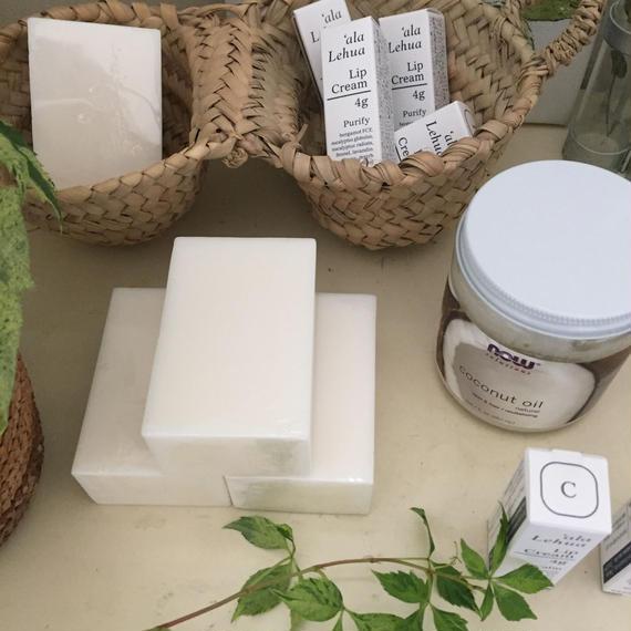 COCONUT SOAP       for dry skin