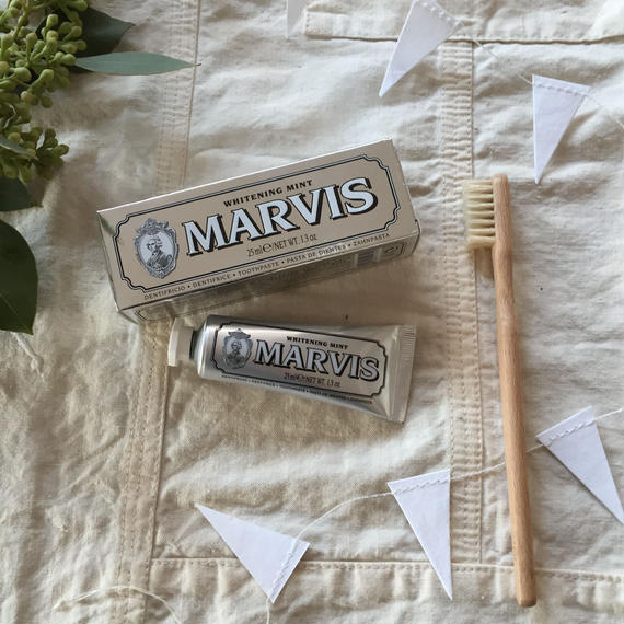 MARVIS TOOTHPASTE / WHITENING