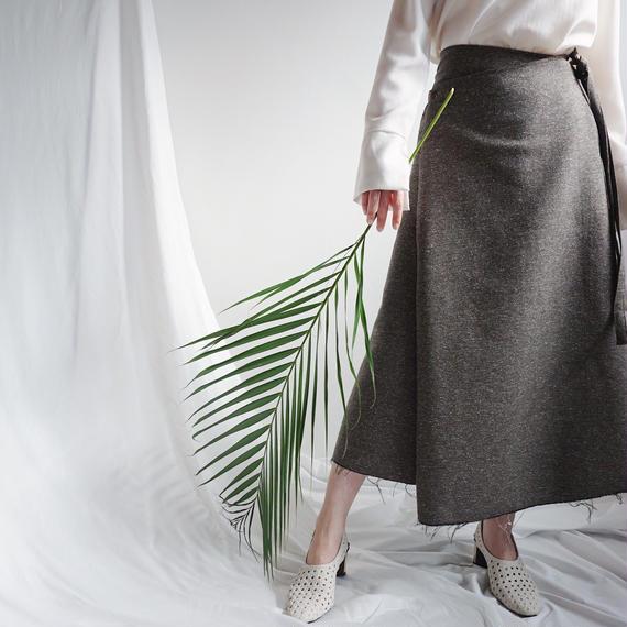 ネップフリンジラップスカート
