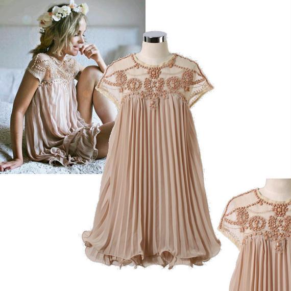 手縫いビーズ装飾!プリーツドレス *Nude Pink