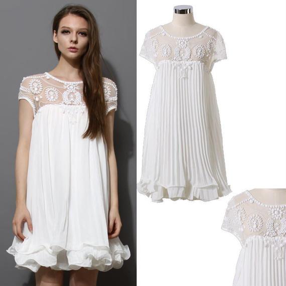 手縫いビーズ装飾!プリーツドレス *White