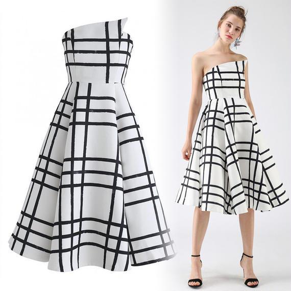 エバーレイスティングストラップレスドレス