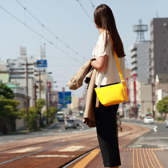 023 SHOULDER POUCH _yellow