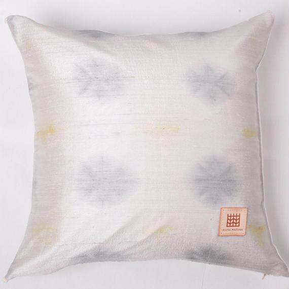 Plant dyeing silk cushion cover         手織りシルク草木染めクッションカバー    PSD-006