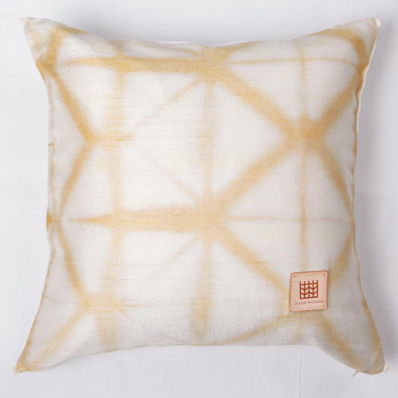 Plant dyeing silk cushion cover         手織りシルク草木染めクッションカバー    PSD-004