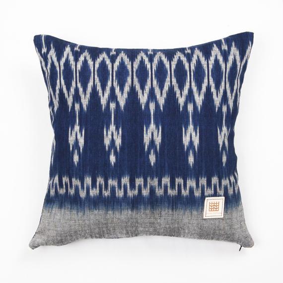 Natural Indigo dyeing handwoven cotton cushion cover  天然インディゴ染め、手織りコットンクッションカバー PCI-003