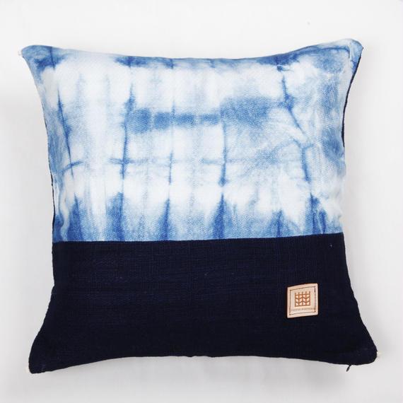 Natural Indigo dyeing handwoven cotton cushion cover  天然インディゴ染め、手織りコットンクッションカバー PCI-009