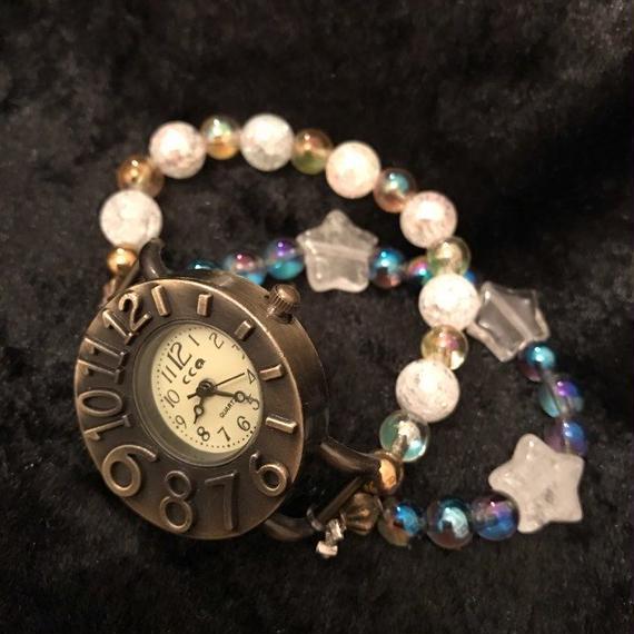 宇宙につながりひらめきを与えるパワーストーン腕時計