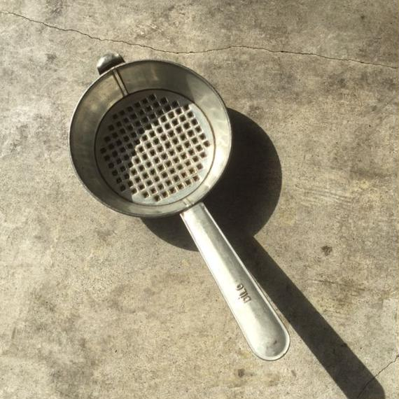 チェコで見つけた炭の火起こし器 小