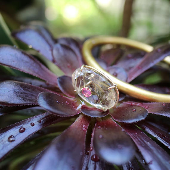 gold quartz &pinkspinel bangle