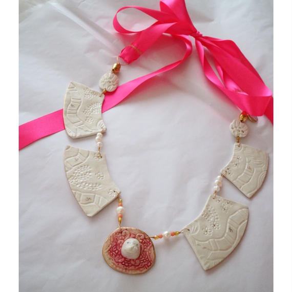 Joke Schole ceramic necklace  pink ribbon