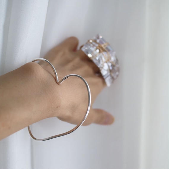 Heart Bangle. Silver