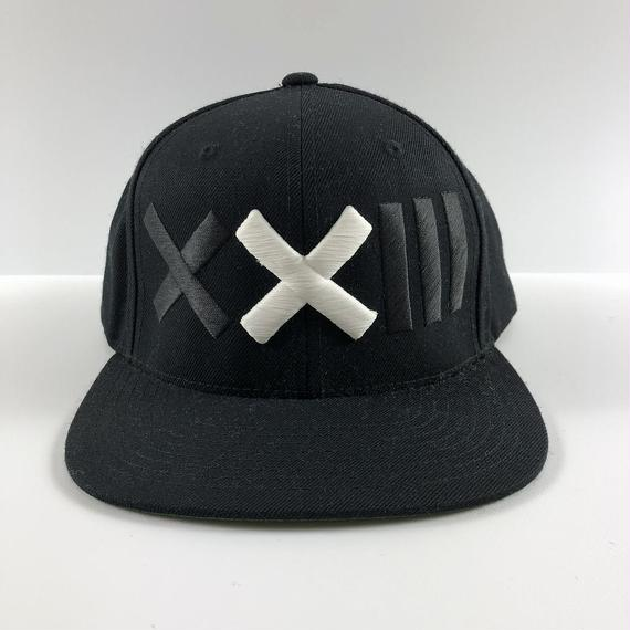 XXIII C'est Vingt-Trois セバントゥア LOGO BASE BALL CAP BLACK WHITE 【中古】
