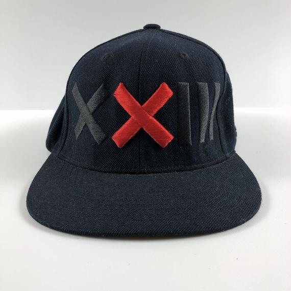 XXIII C'est Vingt-Trois セバントゥア LOGO BASE BALL CAP BLACK RED 【中古】