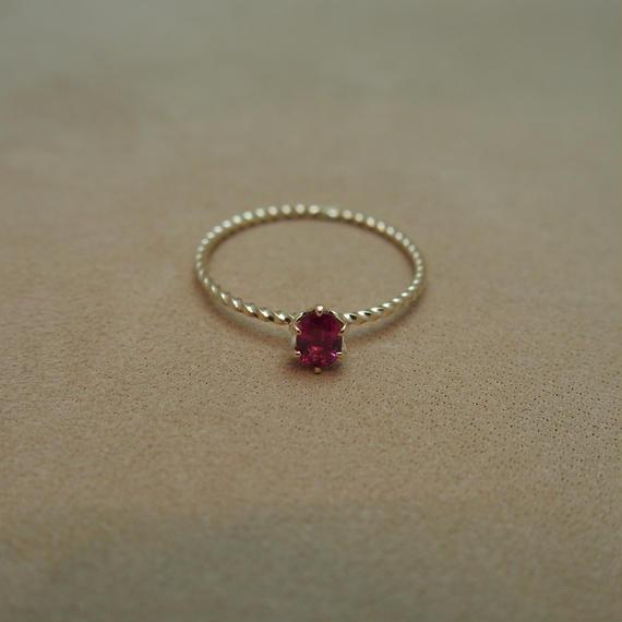 Ruby Petit Ring (o/v)