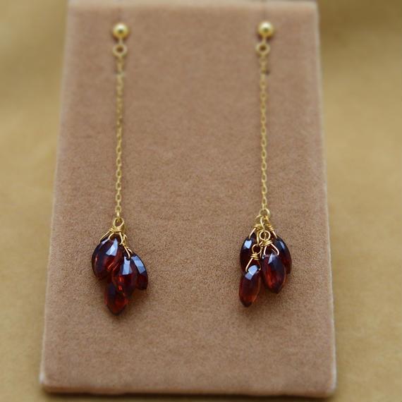 Garnet Line Earrings(m/q)