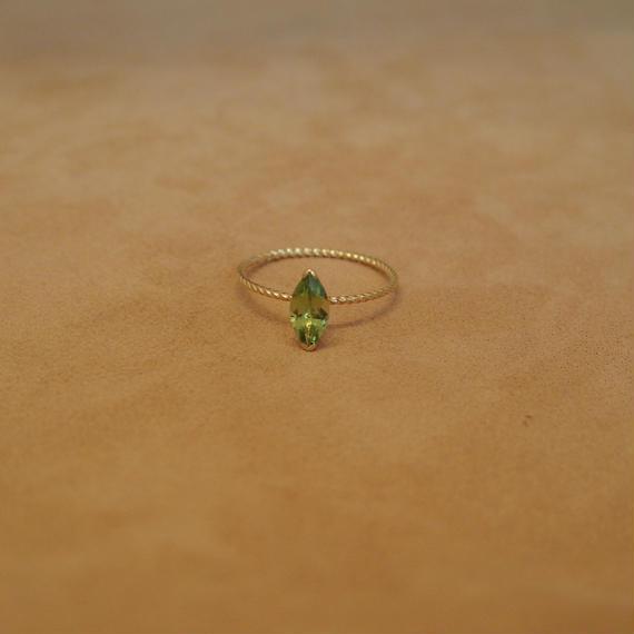 Peridot Petit Ring(m/q)