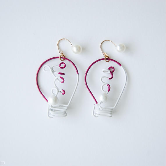Arty Wire Pierced Earrings  -yes no bulbs  PIERCE  / GRAPE RED