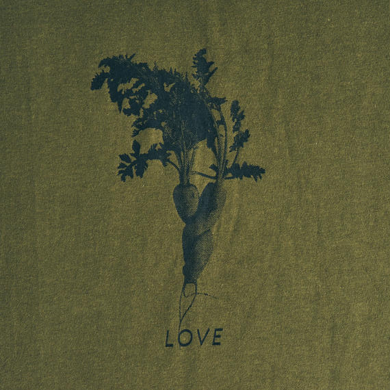 """LOVE"" 人参 / T-shirts R neck / Leadies"