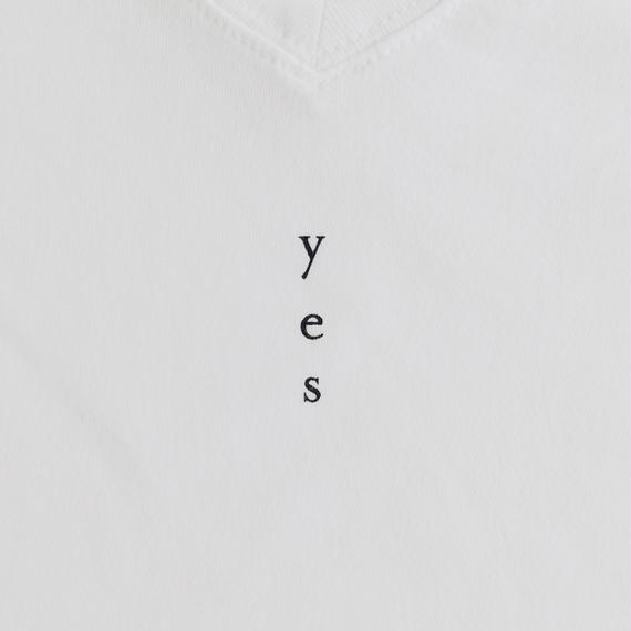"""yes"" / T-shirts V neck / Leadies"