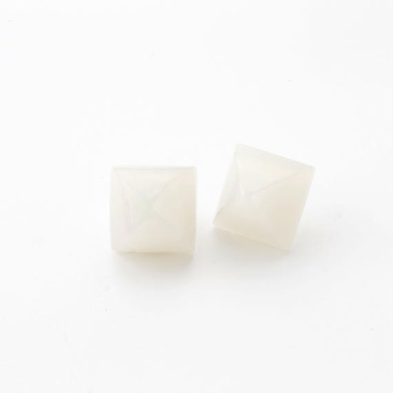 Pyramid Pierce(Shell White)