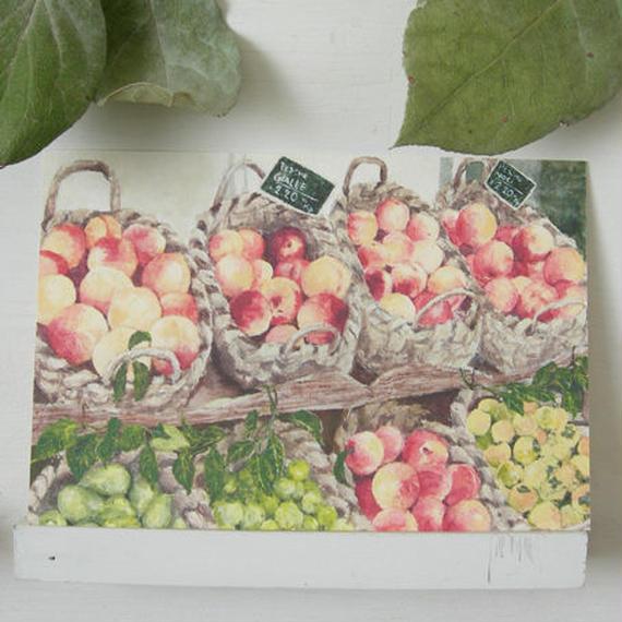 postcard / 籠に盛られた果物