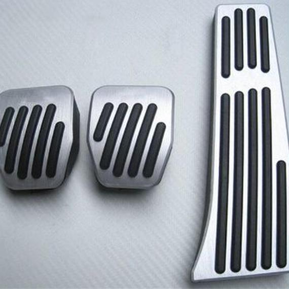 BMW アルミペダルカバー AT・MT  1/2/3/5/6/7シリーズ e87 f20 e90 e92 e93 F30 F3 5F34 F31 3gt 5gt m00001