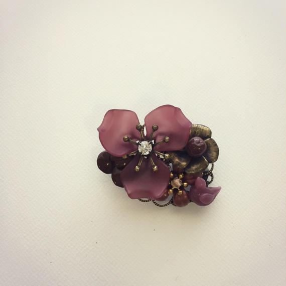 一点もの ルーサイトフラワーブローチ 赤紫