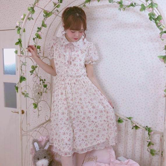 182OP52 【再入荷】Vフリル小花柄パフワンピ