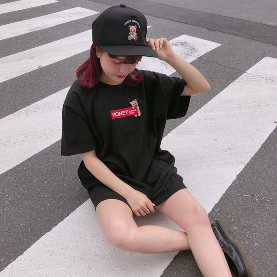 182CS64【Unisex】ボックスロゴ刺繍Tシャツ
