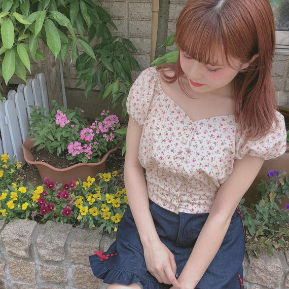 182SH52 小花柄パフブラウス
