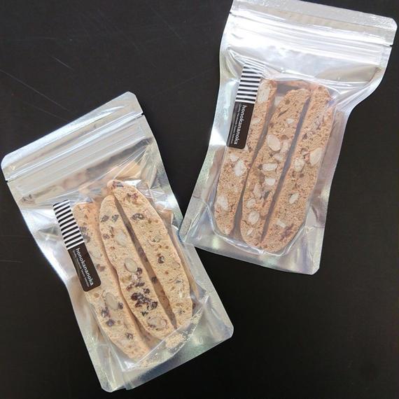 1080円米粉ビスコッティ   チョコチップ&アーモンド  黒糖&アーモンド