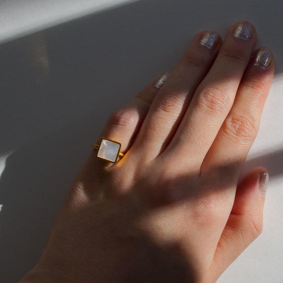 ring [square] (shell/gold) [受注制作]