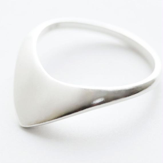 pyramid ring /silver