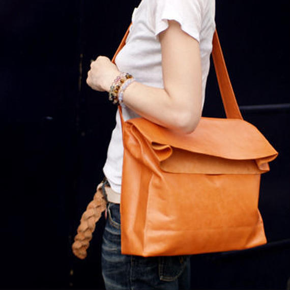 SHOULDER BAG Cow leather