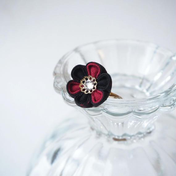 大島紬の黒紅花心リング
