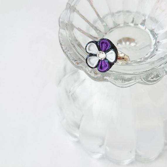大島紬の紫花ピンキーリング