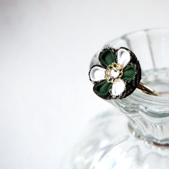 大島紬の深緑花心リング